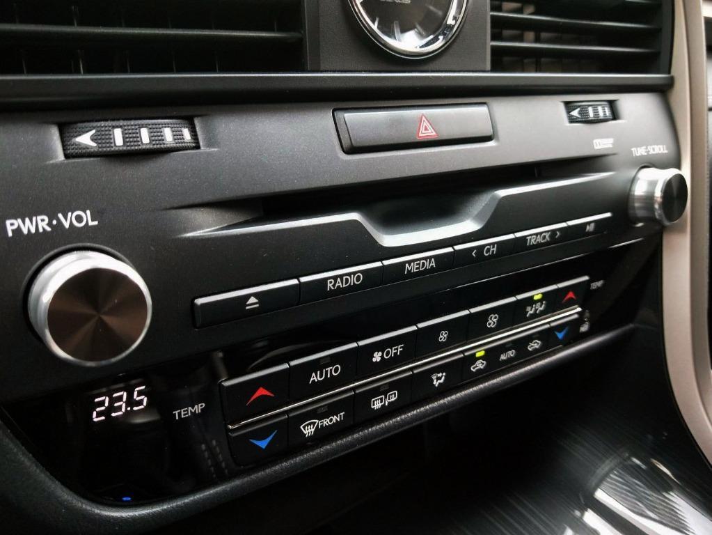 RX200T 跑2萬多 SAVE認證 新車保固中 頂級版 一手車 全車原漆原钣件 只跑2萬出 車況非常新 資料齊全 同車系最省