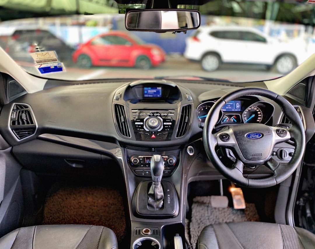 SEWA BELI BERDEPOSIT>>FORD KUGA 1.6 ECOBOOST TURBO (A) SUV FULLSPEC 2015
