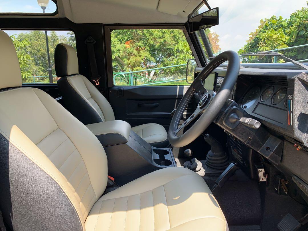 Land Rover Defender 2.5 3-Dr TD5 90 Hard-Top Manual