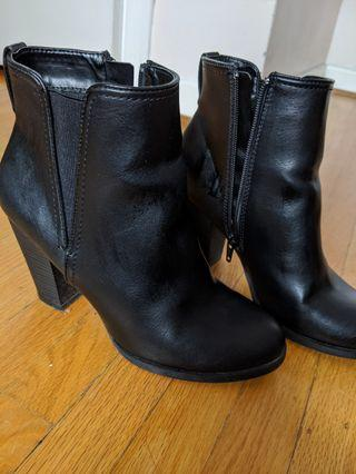 Call it Spring Heel Boots Size 7.5
