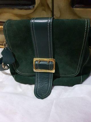 Tas sling kulit