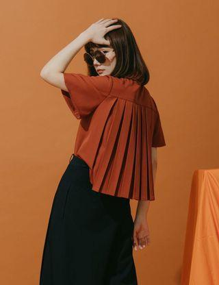Marjorie 非凡覺知-百褶襯衫 全新F 橘 原價$2250