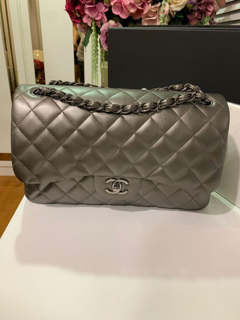 Beautiful Authentic Chanel Handbag 2.55 double flap - lamb skin (new condition) limited edition