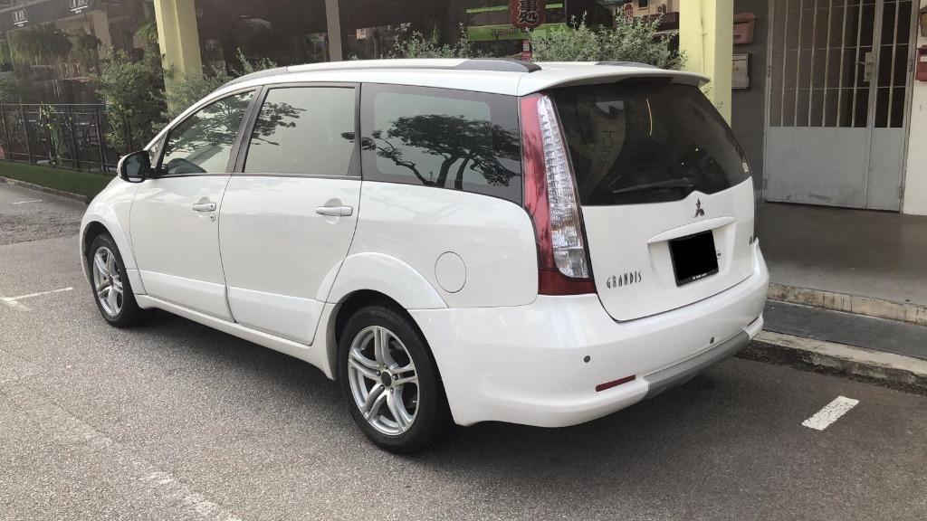 Car Rental Mitsubishi Grandis 3-6 April Weekend Package Fri-Mon ( Woodlands 11 )