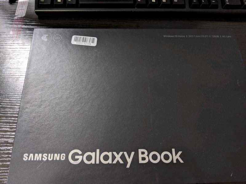 """Galaxy book 12"""" wifi and 4G 128gb with pen and keyboard"""