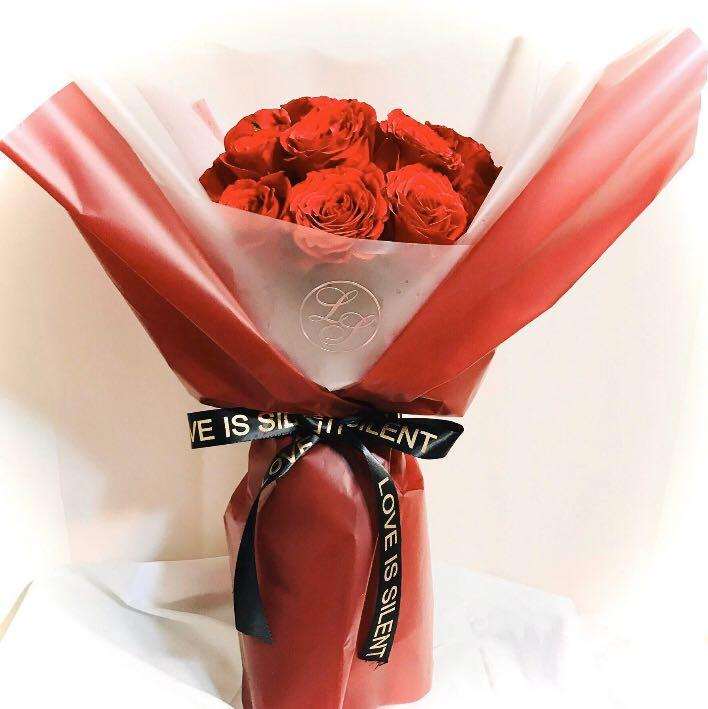 🌹LOVE IS SILENT   玫瑰鮮花束 -  20 FRESH ROSES #BOUQUET 20 朵鮮花玫瑰 #情人節花束 #情人節 #訂花 #鮮花 #聖誕節 #新年 #結婚禮物 #百日宴 #畢業花束 #週年紀念禮物 #Vdaysaver