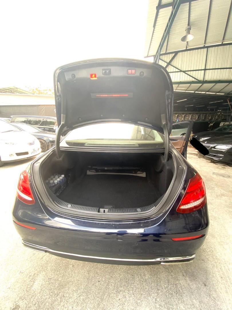Mercedes-Benz E300 2.0L Cabriolet (A)