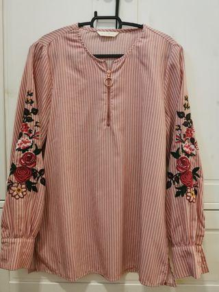 Rope embroidered sleeve blouse