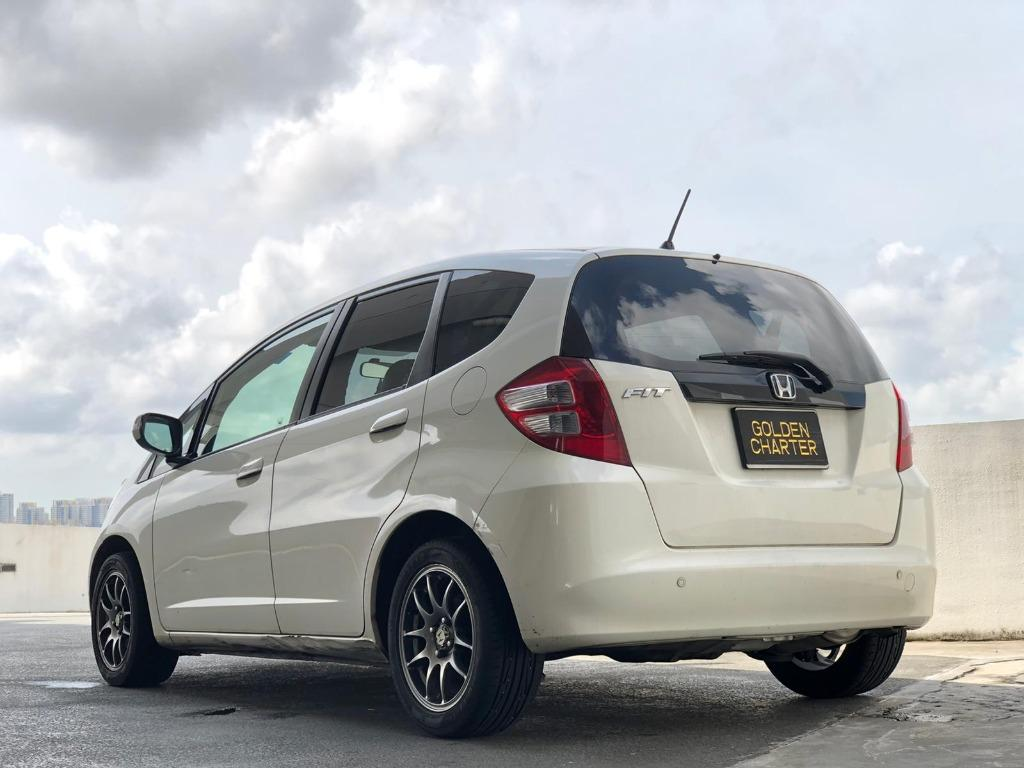 HONDA FIT SKYROOF 1.3a(gojek rebate)save petrol CHEAP PHV/PERSONAL CAR RENTAL (GOJEK & GRAB READY) chepest rental car
