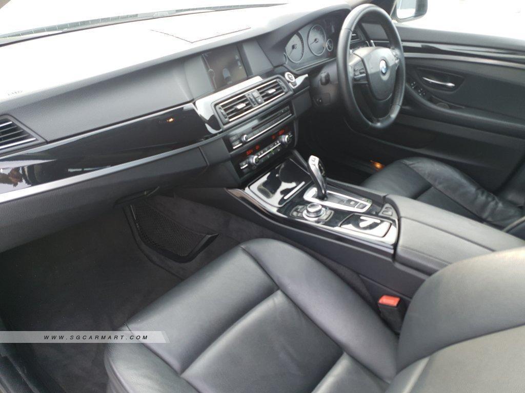 BMW 523i Sedan (A)