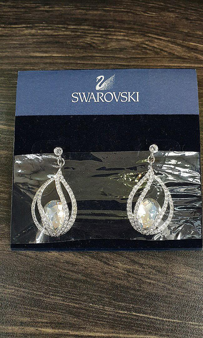 Brand New 100% Authentic White Crystal Earrings (REDUCED FROM RM250 TO RM150, BOUGHT FOR RM430)