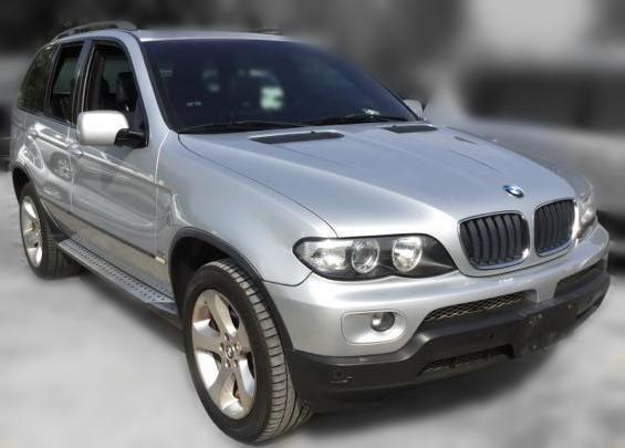 Jc car 2006年 BMW X5 3.0L 總代理滿配 環保耗材皆更新 全景天窗 4WD大馬力 低里程原漆原鈑件