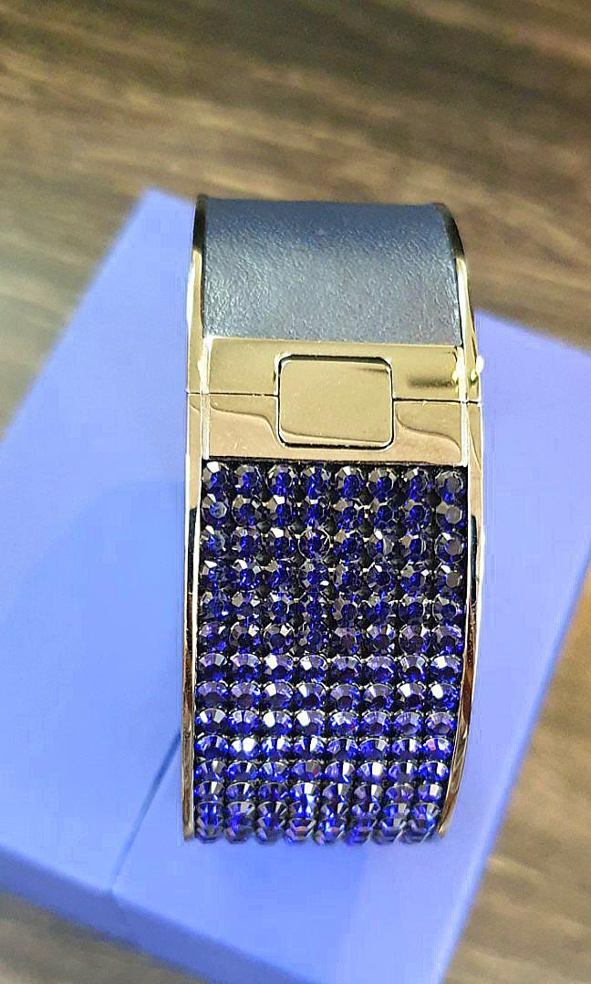 New 100% Authentic Swarovski Large Crystal Bangle (Navy) REDUCED FROM RM290 TO RM90 ONLY, BOUGHT FOR RM850!