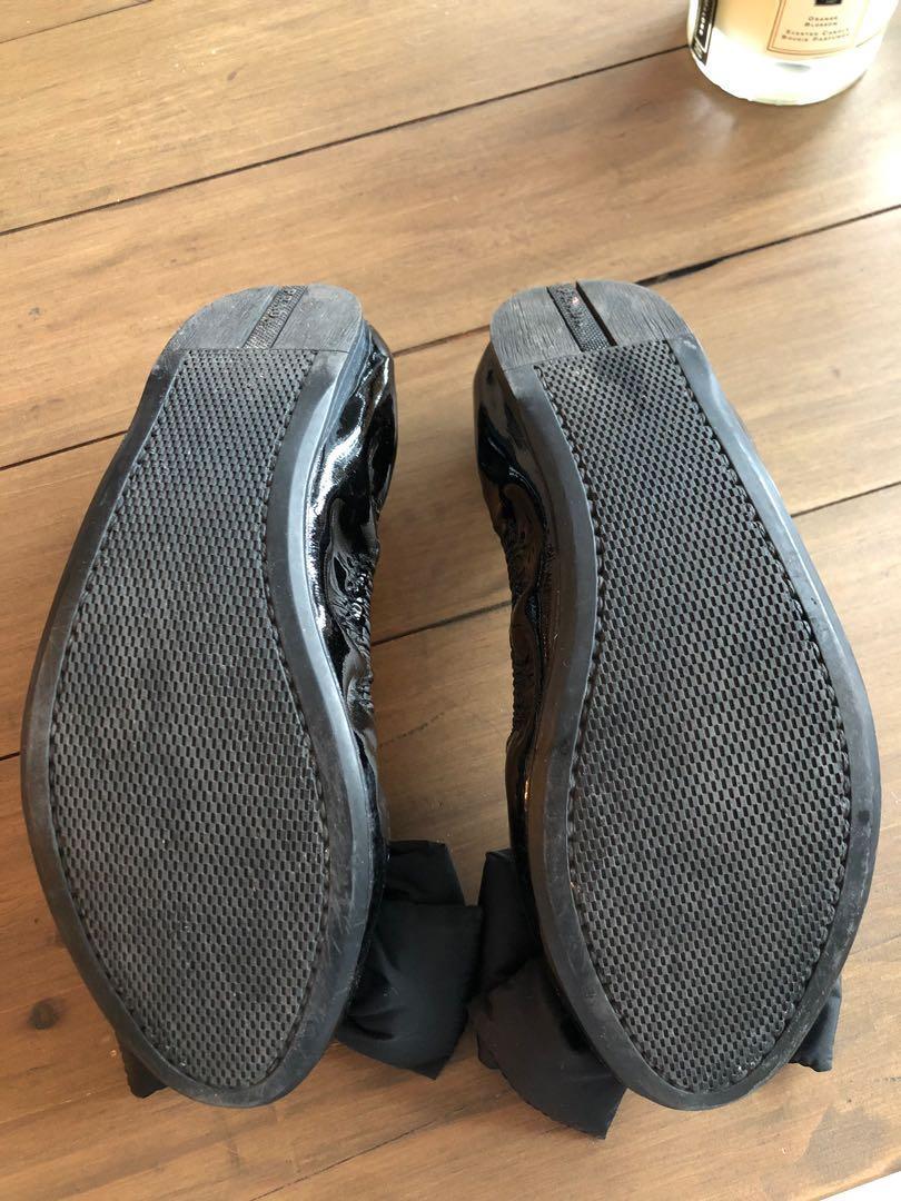 Prada Black Patent Leather Ballet Flats (Size 7 (US) or 37/38 (Euro))