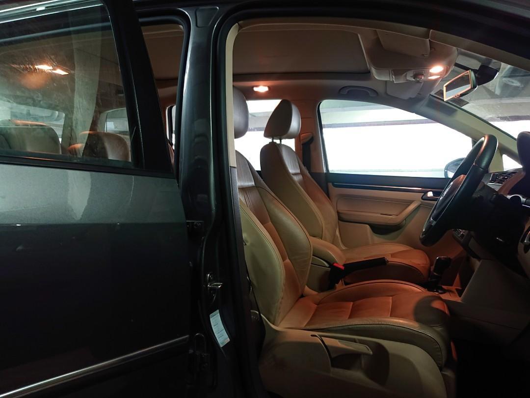 Volkswagen Touran 1.4 Comfort TSI DSG (A)