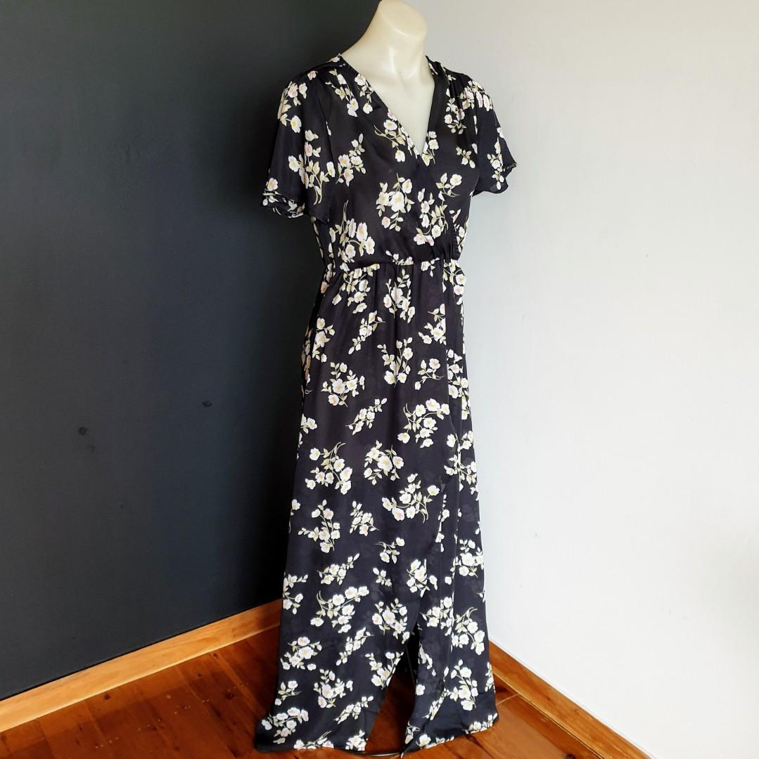 Women's size 10 'HERE COMES THE SUN' Gorgeous floral overlapping maxi dress - AS NEW