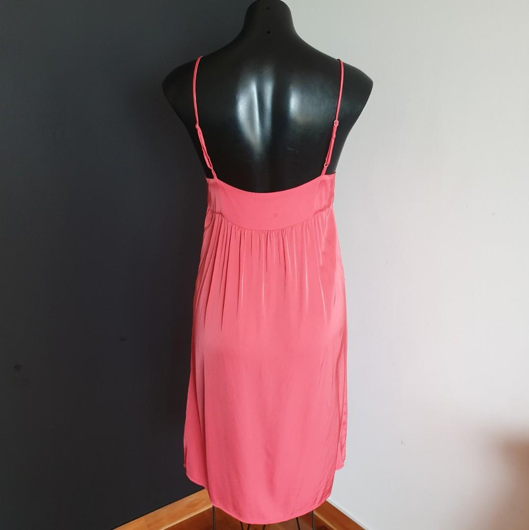 Women's size 10 'WITCHERY' Stunning coral coloured slip viscose dress- AS NEW