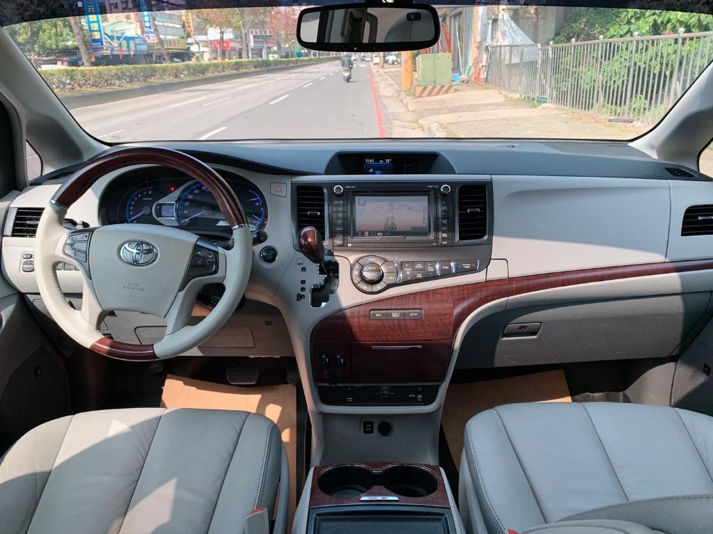 正2013年出廠 最新款Toyota Sienna Limited 4WD 最頂級雙天窗四輪傳動版本