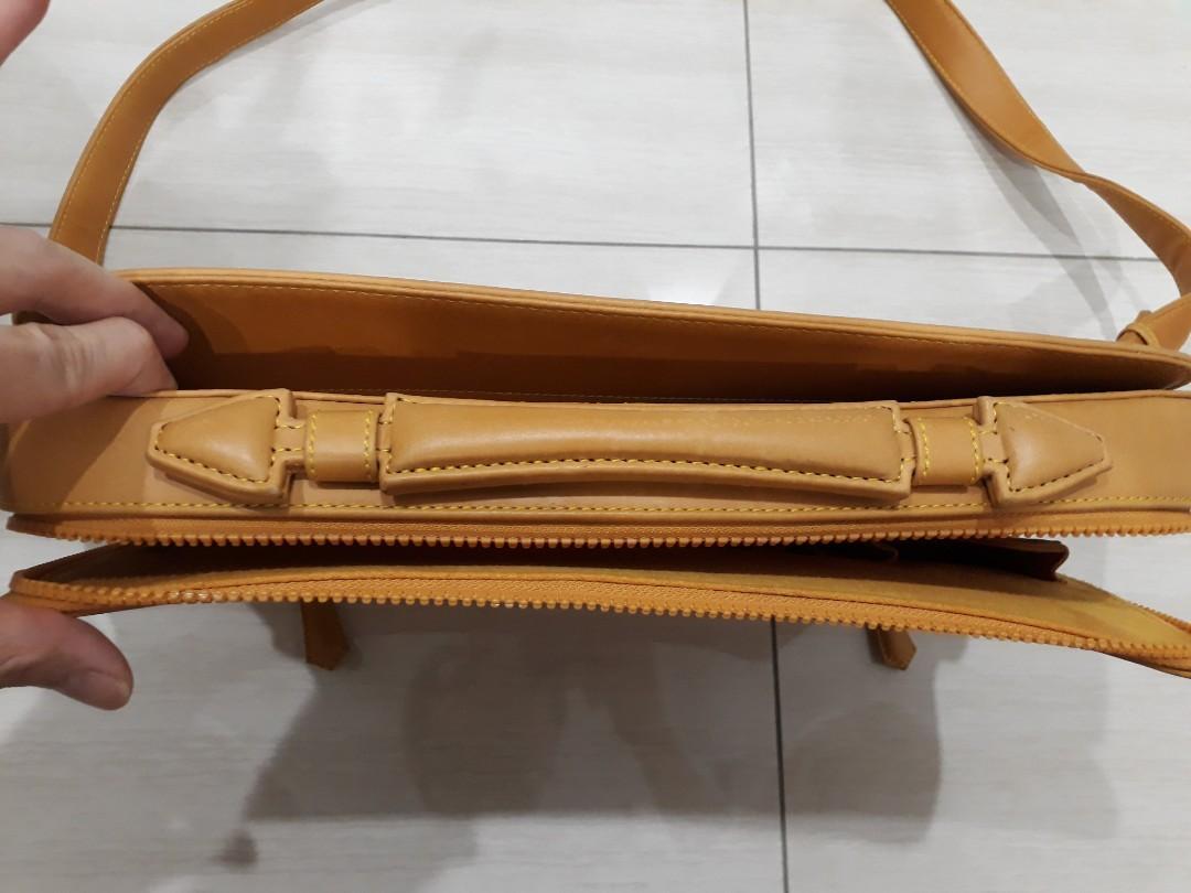 Ullu premium leather briefcase for Macbook Air 13 and Pro 13 (price cut!)