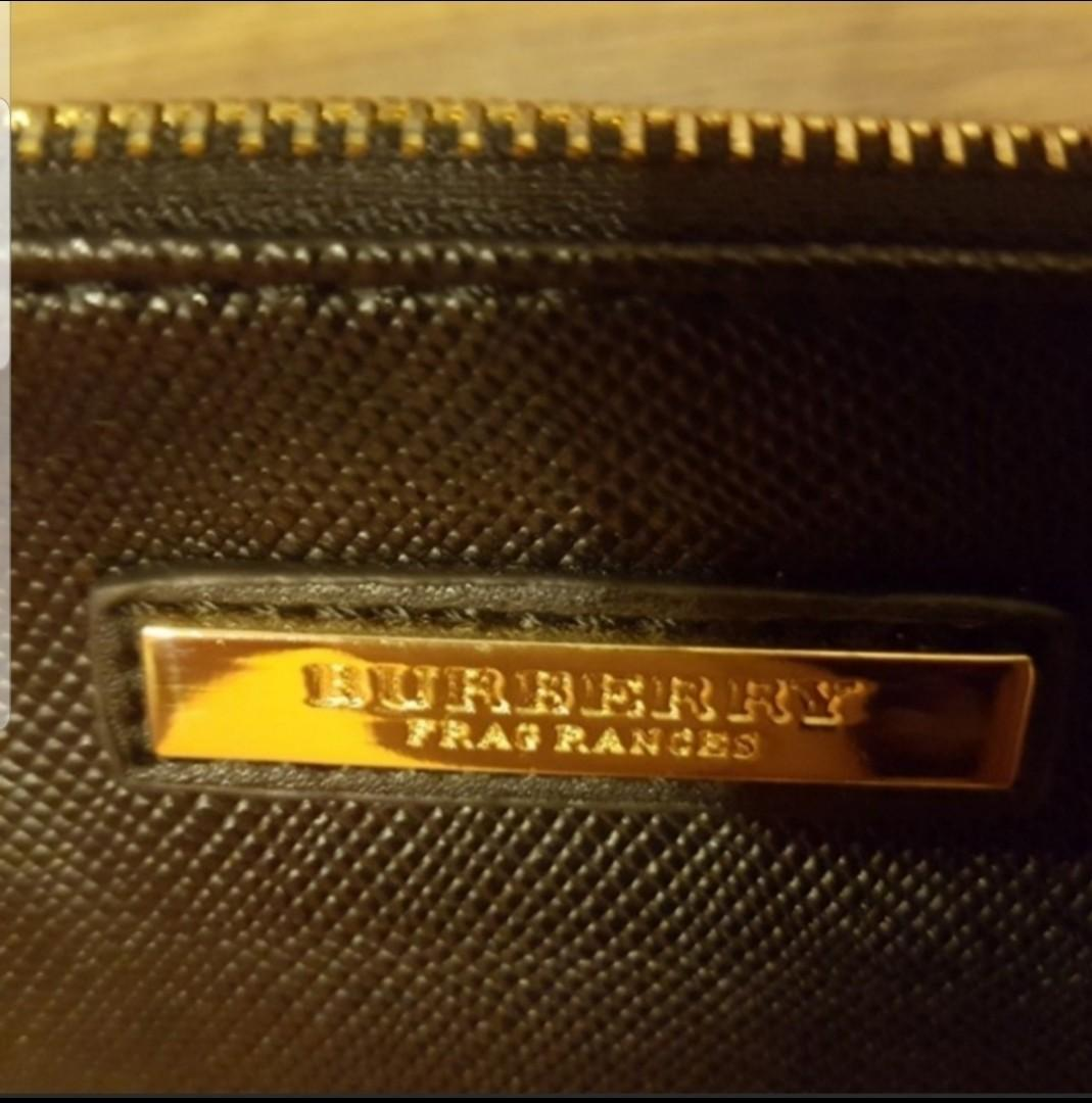 Authentic Burberry Clutch Wallet brand new with gold metal zipper, PU leather & 4 inner card slots!