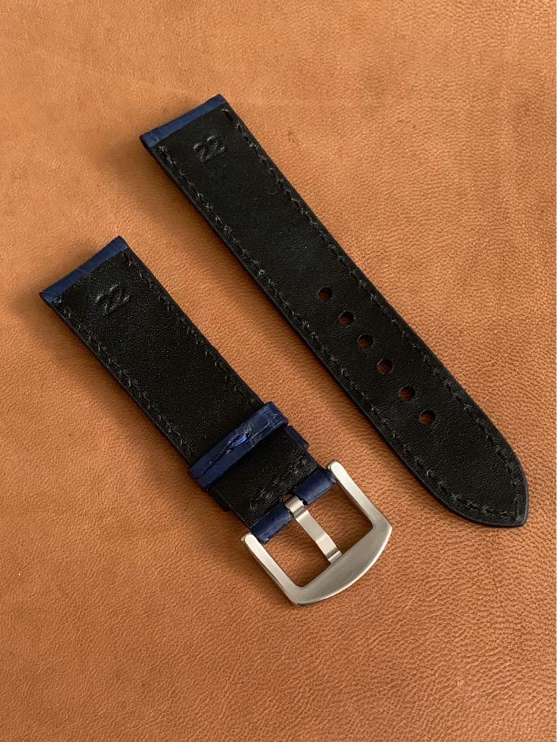 22mm/20mm Blue Crocodile 🐊 Alligator Watch Strap 22mm@lug/20mm@buckle      (Gorgeous grains) Standard length: L-120mm,S-75mm (only 1 piece once sold, no more 😊)