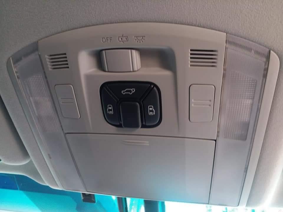 Toyota Vellfire 3.5 ZG FACELIFT Manual