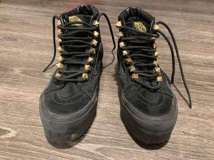 Brand new Vans shoes-size 6.0
