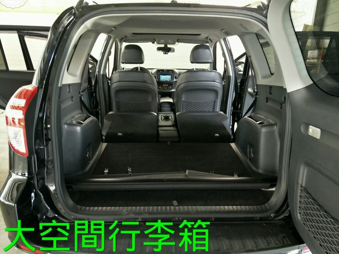 2011年TOYOTA RAV4 2.4L 黑內裝 女用一手車