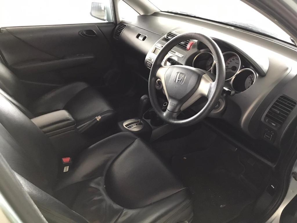 Honda Jazz 1.4A JUST IN! Discounted rates due to Coronavirus for you to travel with a peace of mind. Fuel efficient & Spacious. $500 Deposit driveoff immediately! whatsapp 85884811 now to reserve!!