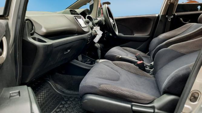 Honda Jazz RS AT 2013 Silver Dp 13,9 Jt, No Pol Genap#Mobil Bekas Bergaransi#