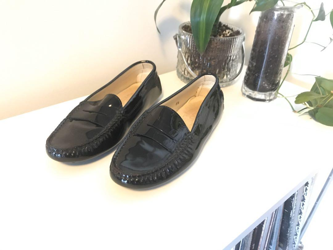 LIKE NEW Tod's Gommino Patent Leather Loafers - SIZE 5.5
