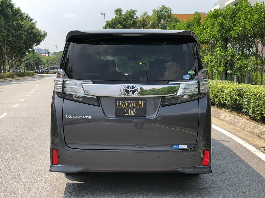 Toyota Vellfire Pilot seat For Rent Daily Weekly Monthly