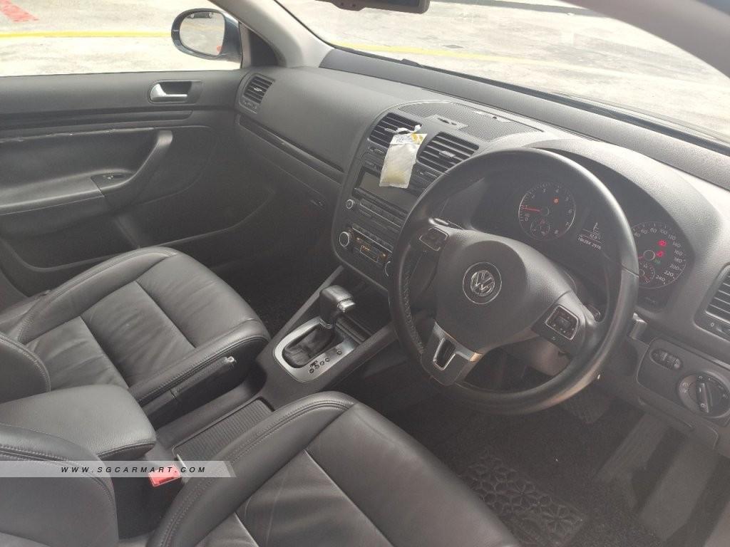 Volkswagen Jetta 1.4 Comfort TSI DSG ( New 5-yr Coe ) Auto