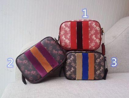 COACH 79241 印花條紋相機包 單肩斜挎包 迷你小巧 可放隨身物品 附購證