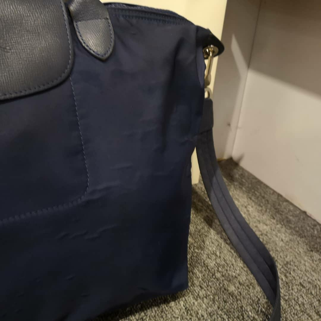 AUTHENTIC LONGCHAMP MEDIUM LE PLIAGE NEO (WITH STRAP) - DARK BLUE COLOR - OVERALL OK / FAIR , NOT FOR FUSSY BUYERS - (RETAILS OVER RM 1100+)