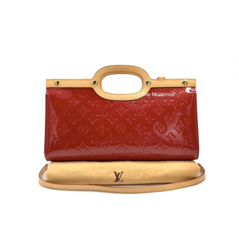 Authentic Louis Vuitton Roxbury Drive Vernis Leather Triangular Handbag