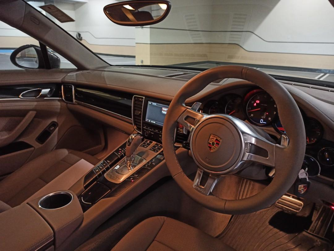 Porsche Panamera 4 PDK (A)