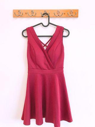 酒紅低胸性感洋裝