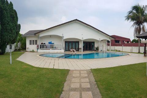 Single Sty Banglo Shah Alam - LA 11000sqft - Near Intekma Resort