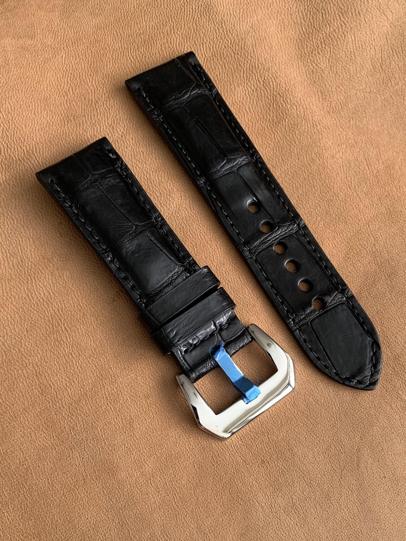 24mm/22mm Black Alligator Crocodile Watch Strap  24mm@lug/22mm@buckle  24mm/22mm     (Smooth croc belly- Last piece in black 😊- once sold, no more👍🏻) Standard length: L-120mm, S-75mm