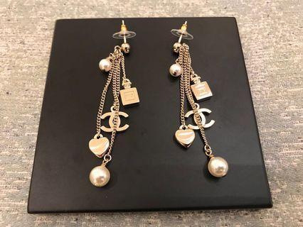 Chanel 超美垂墜式耳環淡金 針式