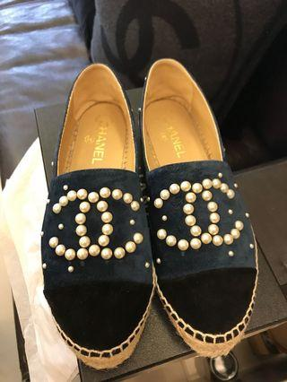 Chanel  藍色珍珠鉛筆鞋麂皮