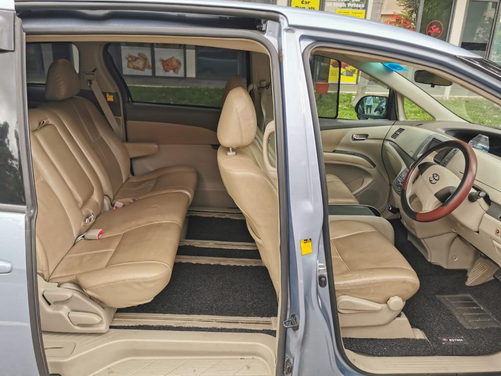 Toyota Estima 8 Seater 2 power doors for personal or PHV