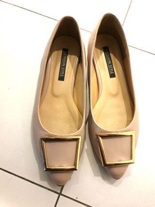 二手平底女鞋 尖頭鞋 OL上班鞋 少穿24cm 鞋頭有破皮 #換季五折