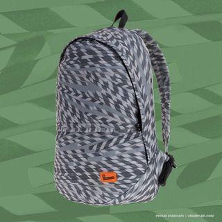 Crumpler Backpack Grey Straw Print