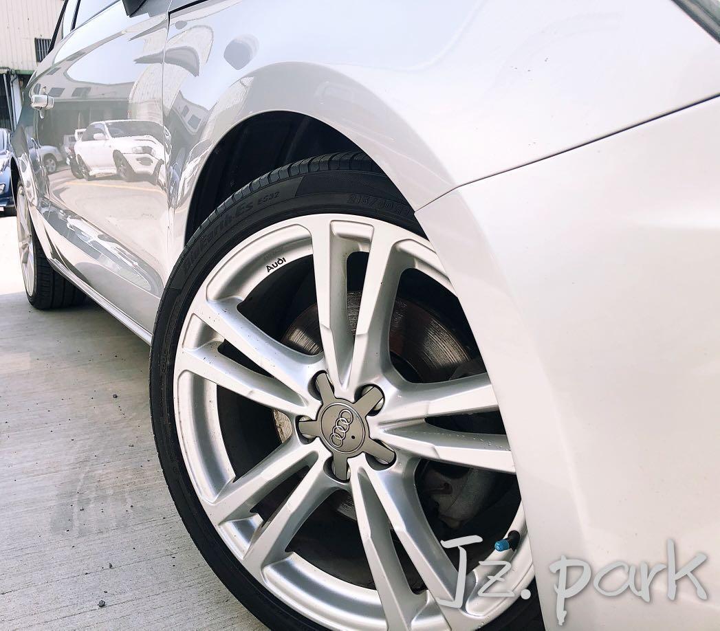 2011-Audi-A1 1.4cc