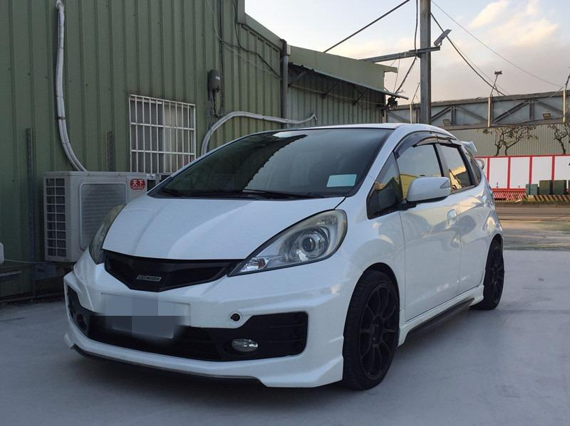 2014      FIT     白1.5   頂級