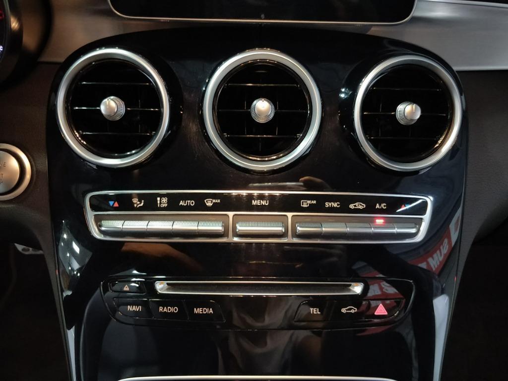 BenzC200d122.8萬柏林之音AMG鋁圈腳踢電尾門