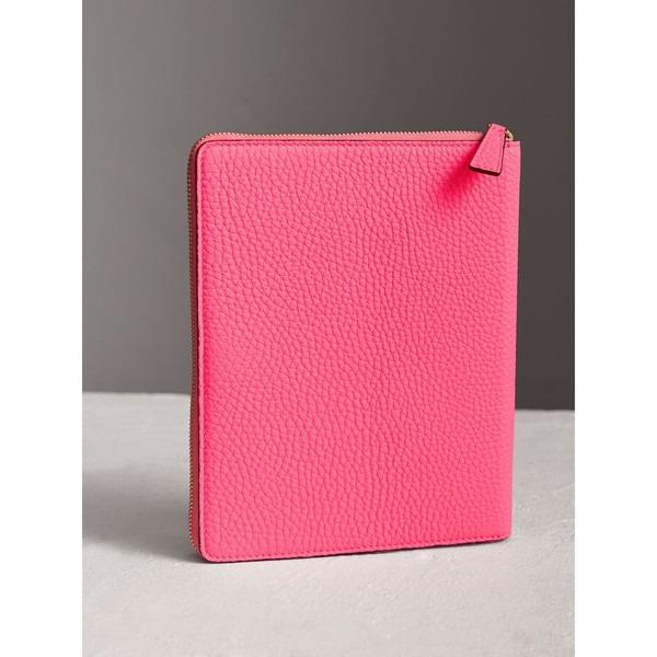 BURBERRY Embossed Grainy Leather Ziparound A5 Notebook Case With Pencil - Authentic