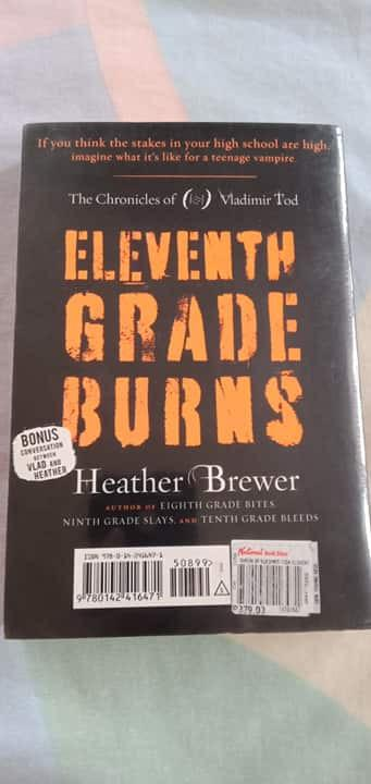 Eleventh Grade Burns (The Chronicles of Vladimir Todd #4) by Heather Brewer